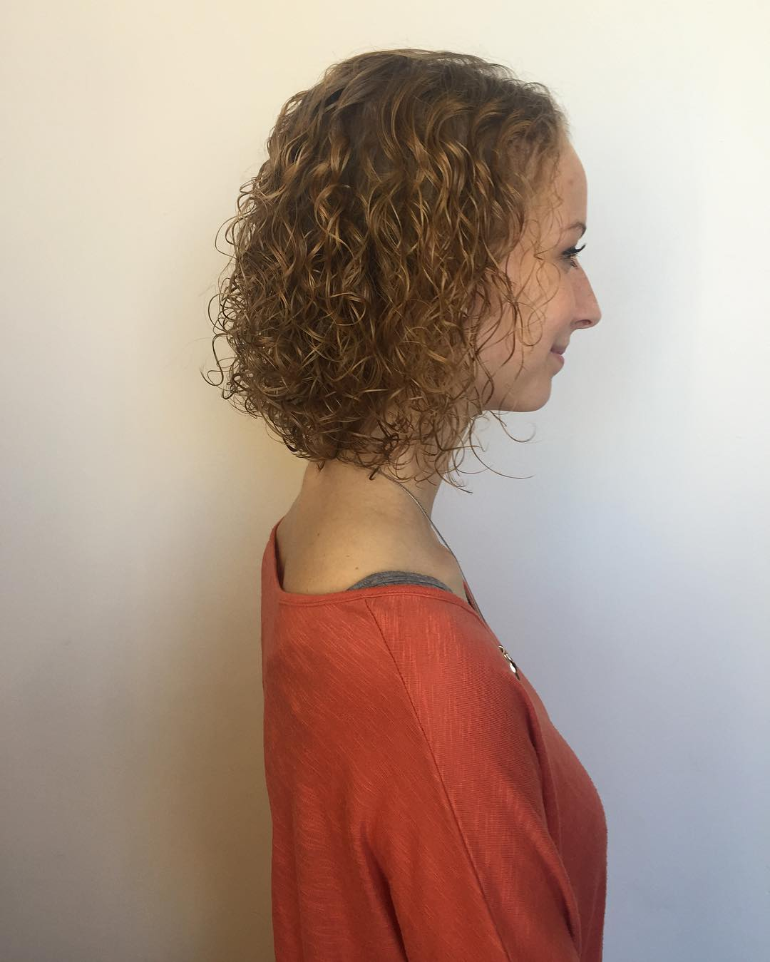 curly hair, curly hair style, curly haircut, womens curls