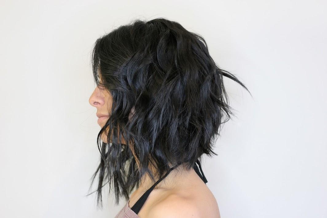curly women haircut